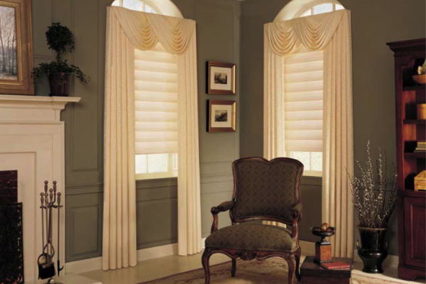Pleated drapes, swags